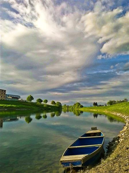 The blue boat (Kupa river in Karlovac), 2017 - Alfred Freddy Krupa