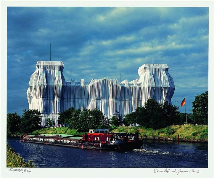 Wrapped Reichstag (Berlin) - Christo and Jeanne-Claude