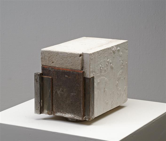 'Closed' by Carlos Granger - abstract sculpture in concrete & steel, c.1999 - 2005 - Carlos Granger
