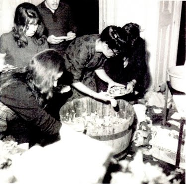 Make a Salad, 1962 - Alison Knowles