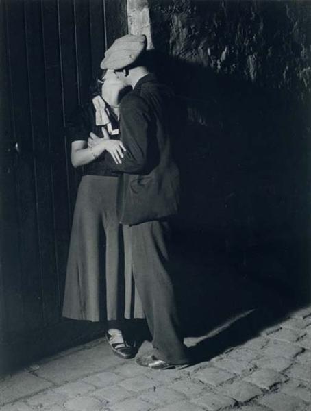 Lovers in the Latin Quarter, 1932 - Brassai