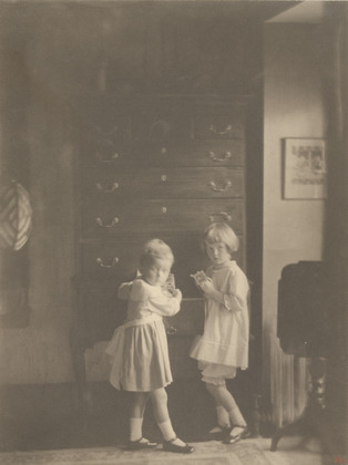 Jane and Mary Elizabeth Wilson, 1919 - Clarence White