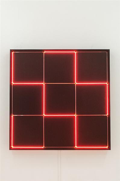 Tirets Neon 0°-90° avec 4 rythmes interferents, 1971 - Francois Morellet