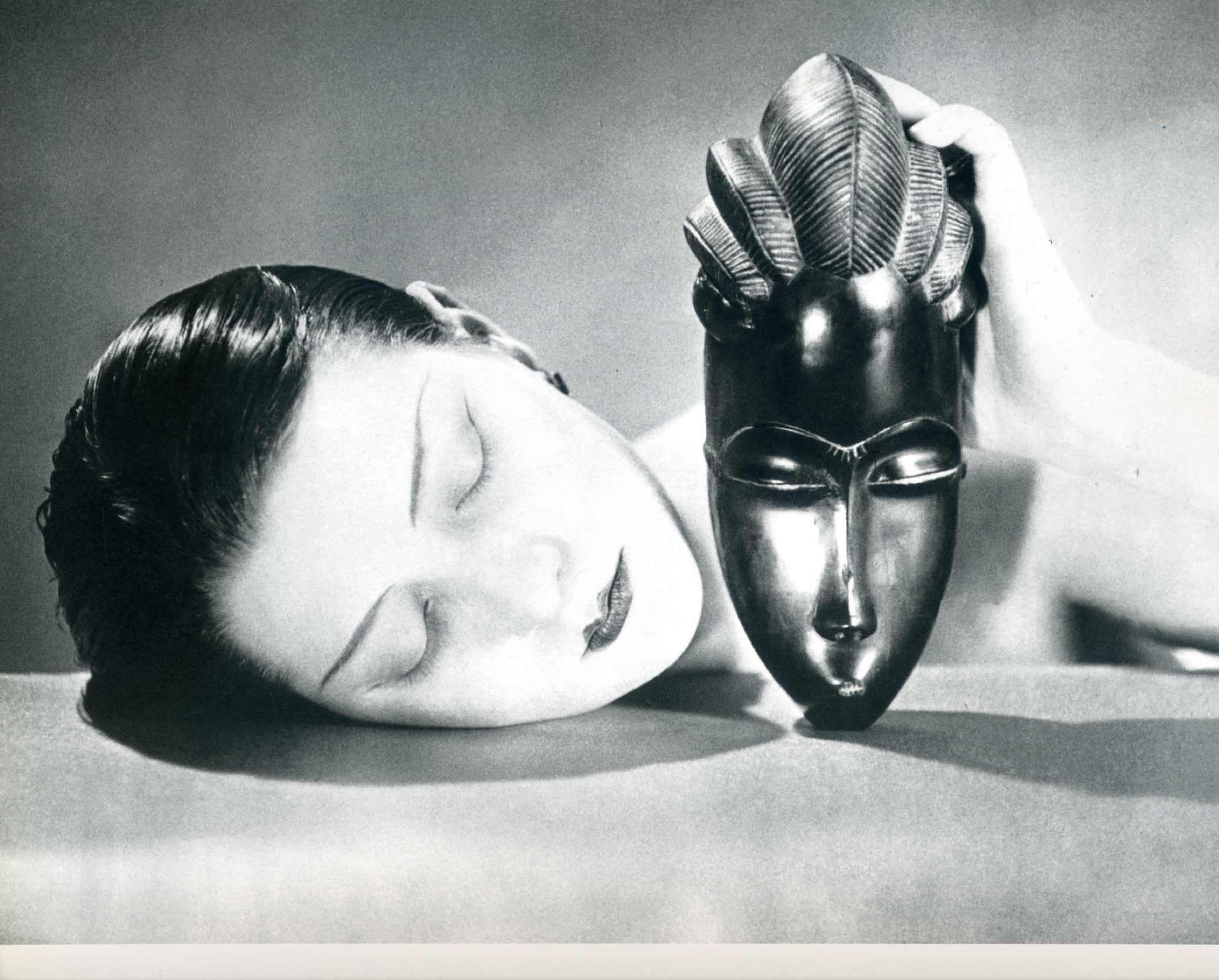 Black and white 1926 man ray - Table noire et blanche ...