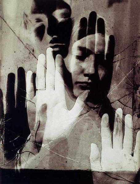 Dora Maar, 1936 - Man Ray