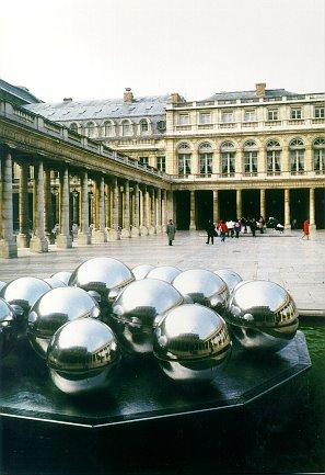 Palais Royal Fountain, Paris, 1996 - Pol Bury