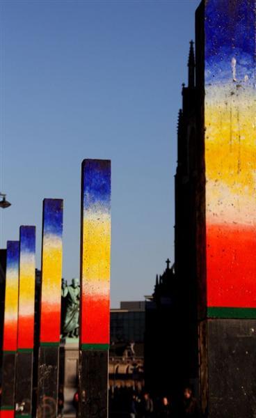 Poles, Grote Markt in Haarlem, Netherlands, 2004 - Roger Raveel