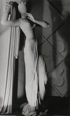 Pavilion de l'elegance (Madeleine Vionnet), 1937 - Wols